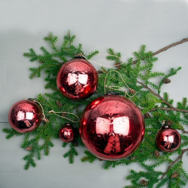 Etched Snowflake Red Decoration