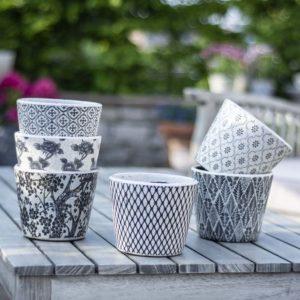 Old Style Dutch Pots Black Asst 6 Designs
